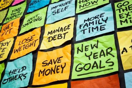 Common New Years Resolutions on Sticky Notes